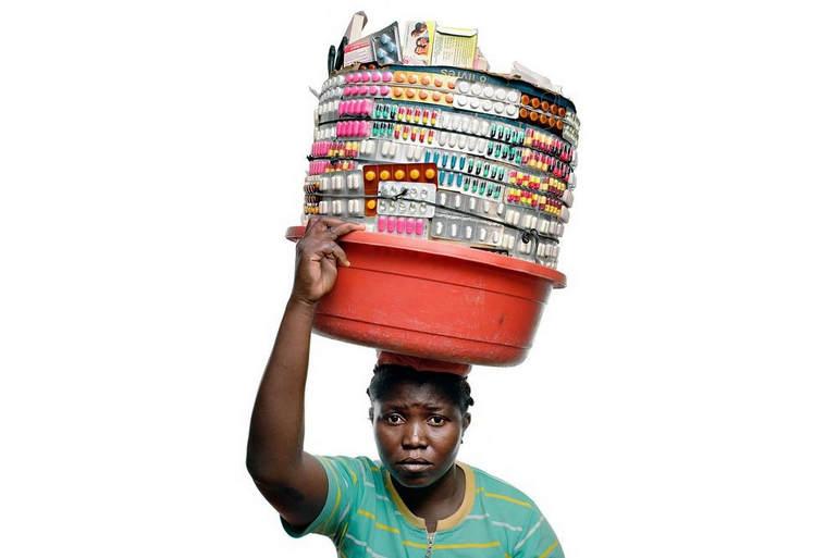 Уличные фармацевты на Гаити