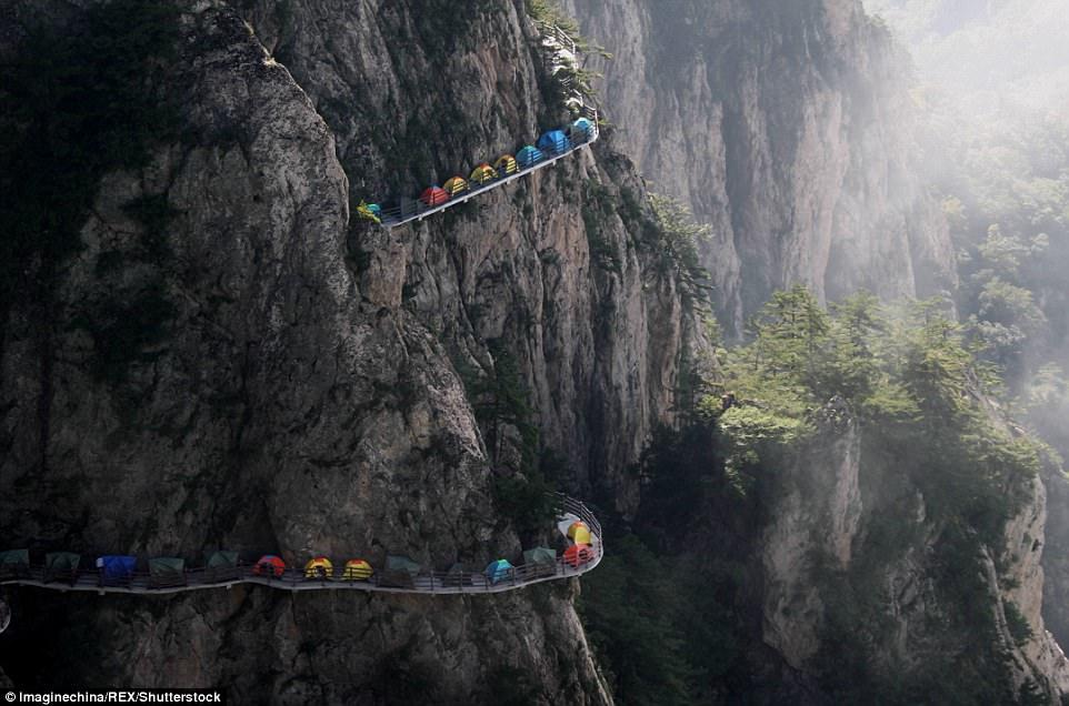 Кемпинг на горе Laojun в Китае