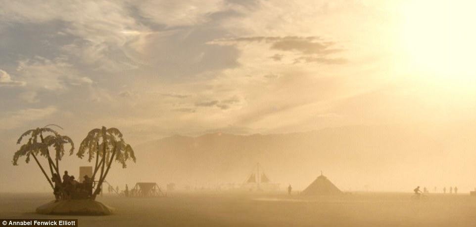Фестиваль Burning Man в пустыне Невада