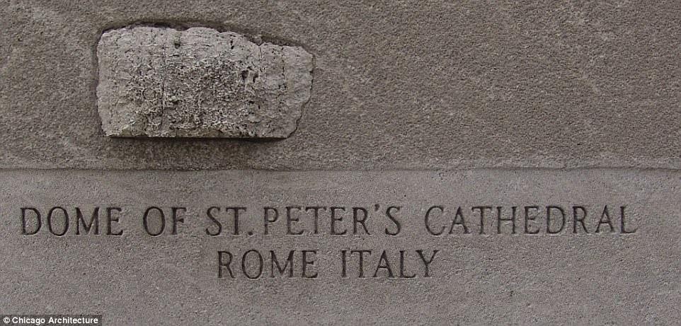 Камень с купола Собора святого Петра в Риме. По словам доставшего этот артефакт журналиста, он добыл его в ходе реконструкции собора
