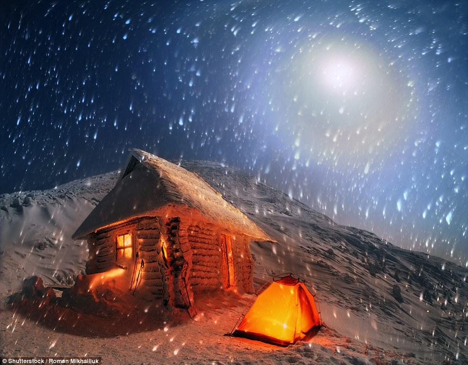Зимний ночлег на вершине Говерлы, самой высокой точки Украины