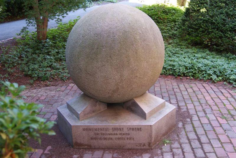 Памятник Каменные шары Коста-Рики