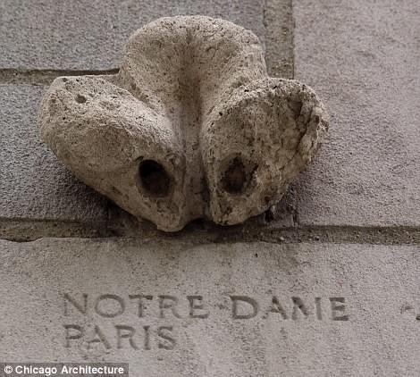 Фрагмент декоративного оформления Собора парижской богоматери