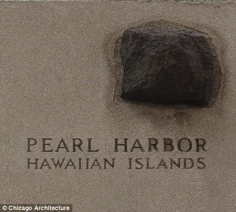 Кусок черного камня из гавани Перл-Харбор, места авиаудара японцев по американским кораблям в декабре 1941 года
