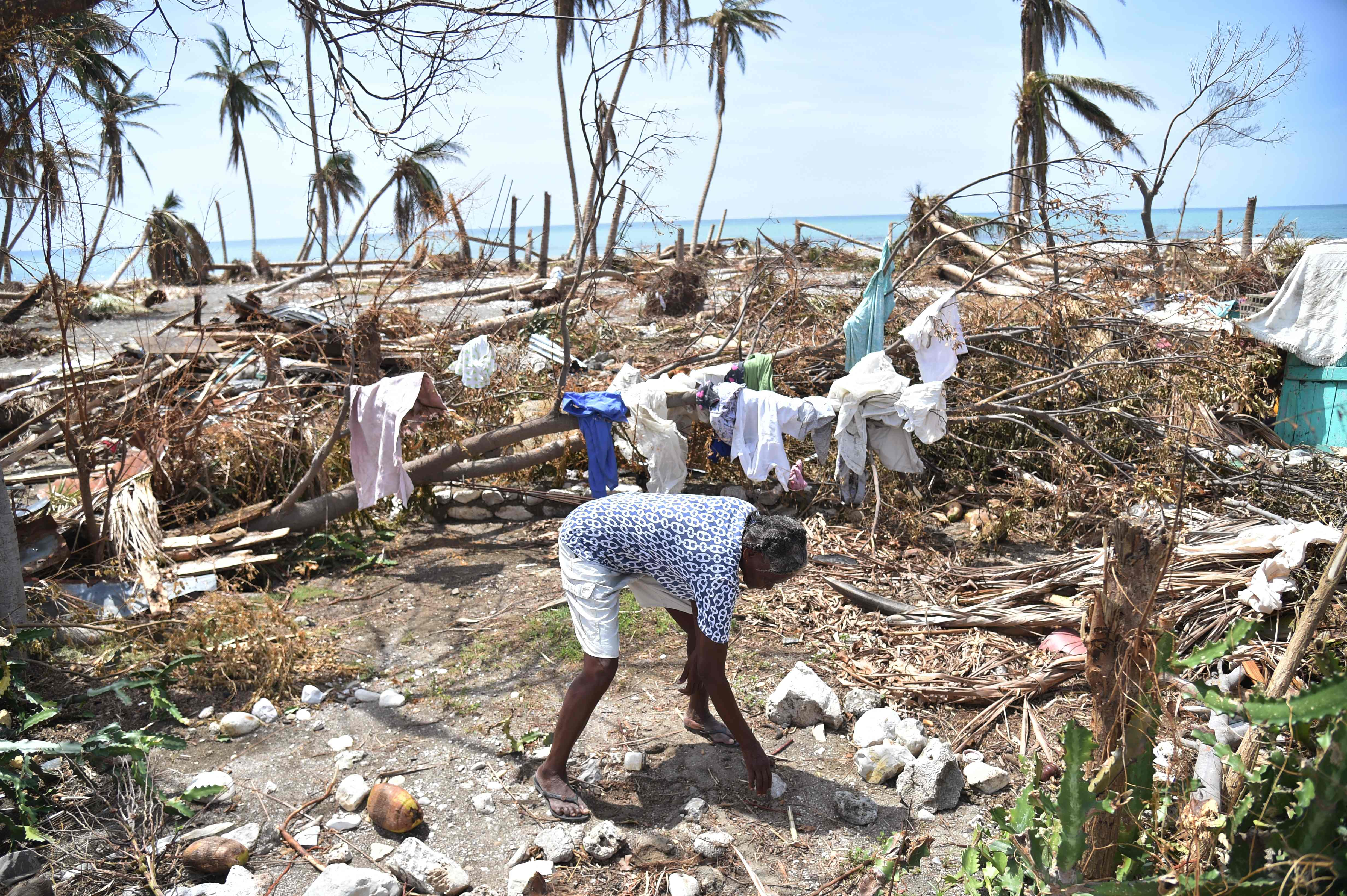 """Ураган """"Мэтью"""" на Гаити: смыты целые города, 1000 погибших"""
