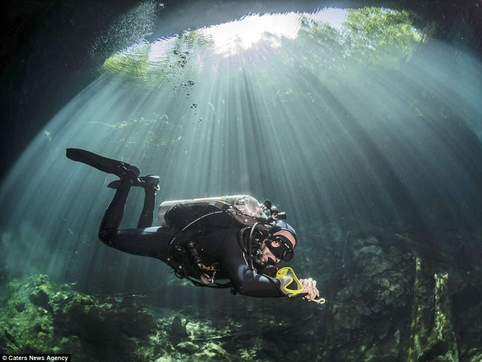 Подводные пещеры Мексики и их лунный свет в фотографиях Пола Дуксфилда