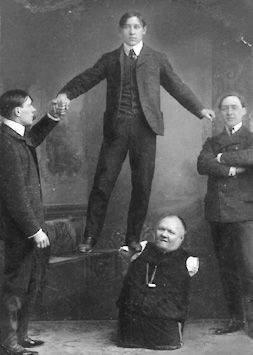 Николай Кобельков представляет номер с сыновьями