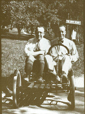 Производители Stephen Foster Briggs и Harold Meade Stratton на автомобиле Flyer