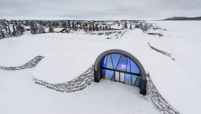 Ледяной отель Icehotel 365, работающий круглый год в Швеции