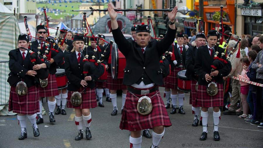 Музыкальный парад - неотъемлемая часть ярмарки Puck Fair