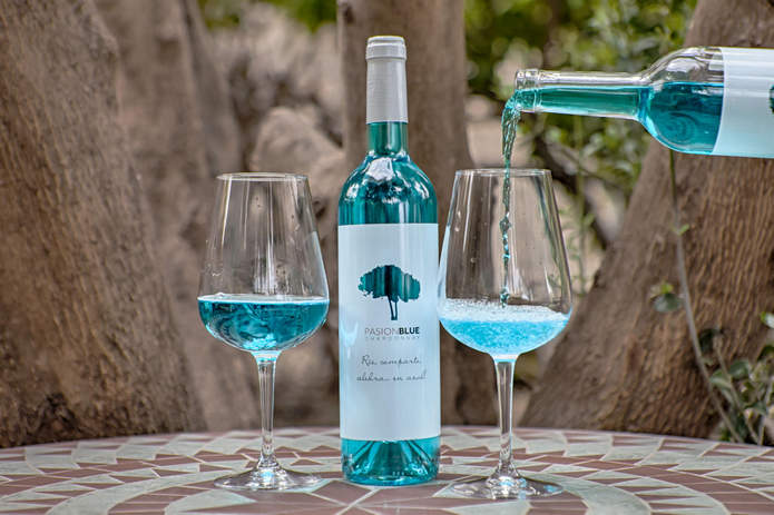 Голубое вино линии Passion