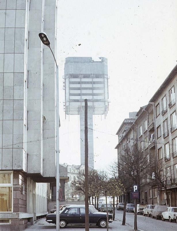 Строительство сверху-вниз: Строительство дома в Софии