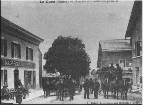 Снимок конца 19-го века, на котором виден магазин Понтуса (слева)