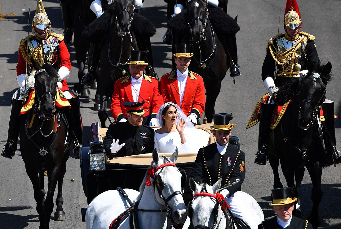 Принц Гарри и Меган Маркл едут в карете