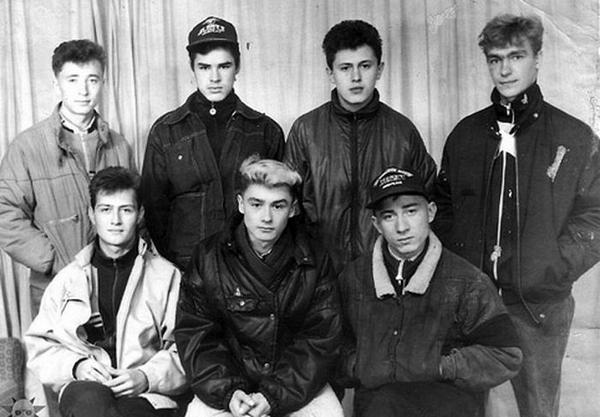 Молодые ребята из 90-х