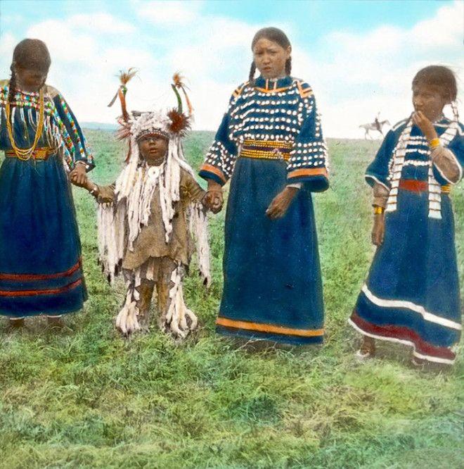 Дети племени сиксики, Монтана, начало XX века