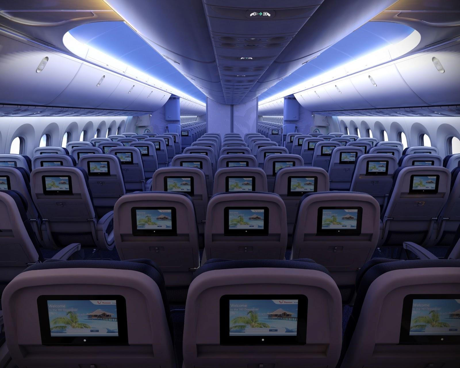 Салон Boeing 787 Dreamliner ночью