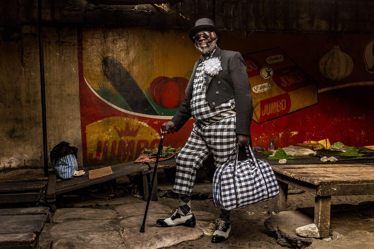 Ямэа (2 место) Фото 50 летнего Мужчина. ФотографТарик Заиди. Место: Браззавиль, Республика Конго.