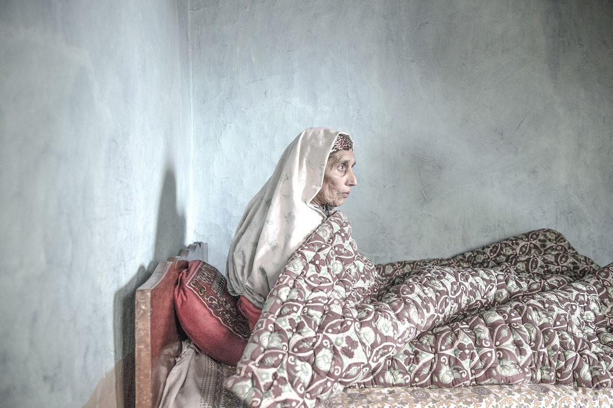 Ожидание в состоянии неопределённости: полувдова Кашмира Автор фото: Вэй Тан. Место: Кашмир, Индия.