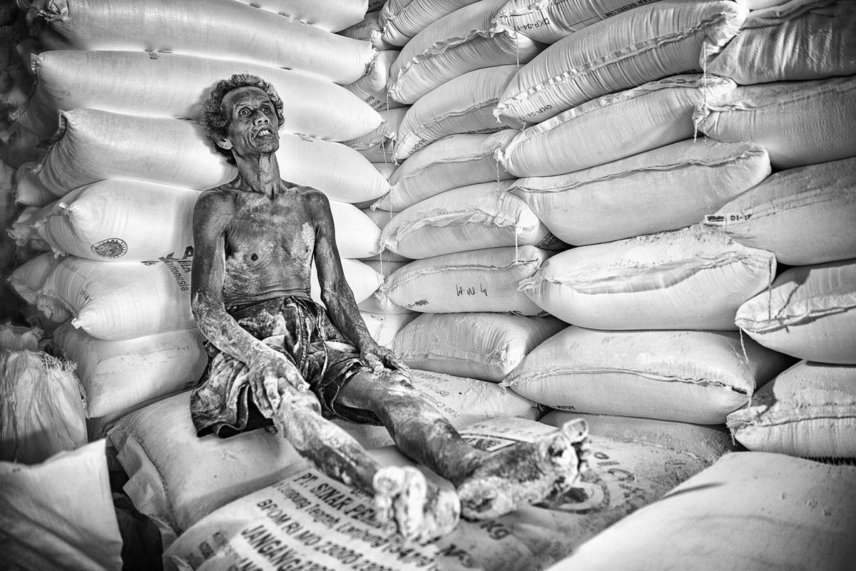 Перерыв Автор фото: Бурак Сенбак. Место: Индонезия.