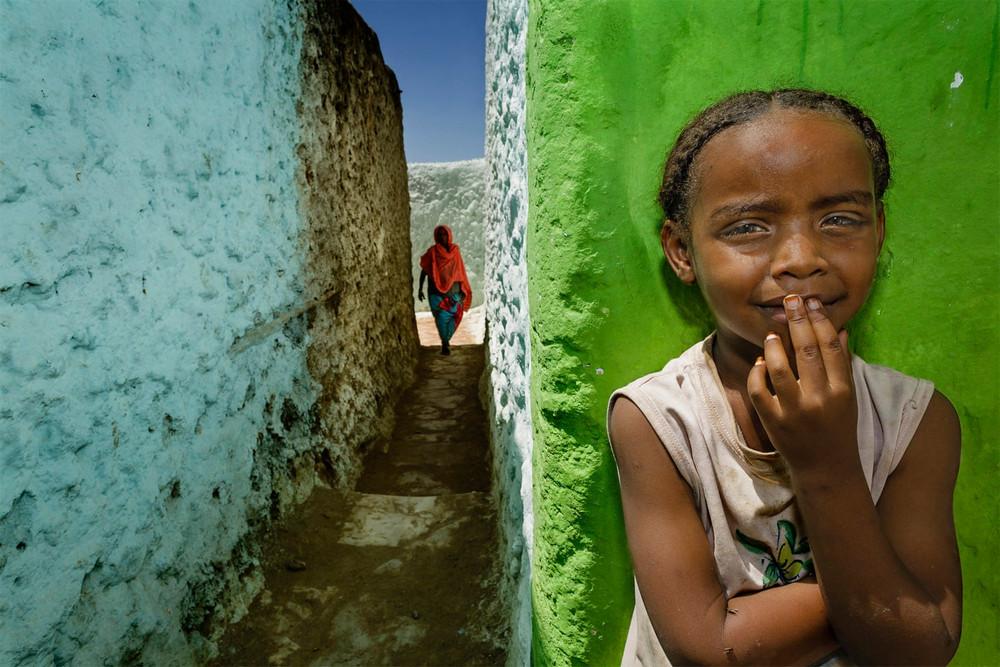 Главный победитель, портфолио. Автор фото: Стефано Пенсотти. Место: Харэр, Эфиопия. Прогулка через укрепленный исторический город Харар-Джуголь, один из священных исламских городов