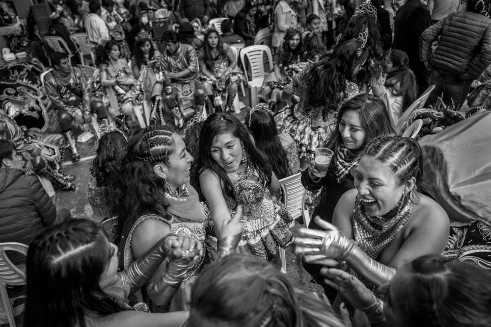 Победитель в номинации «Новые таланты». Автор фото: Хосе Антонио Росас. Место: Пуно, Перу. Танцоры в последний день парада в честь Богоматери Канделарии, покровительницы города. Это крупнейшее музыкальное и танцевальное мероприятие Перу проводят ежегодно в первые две недели февраля.