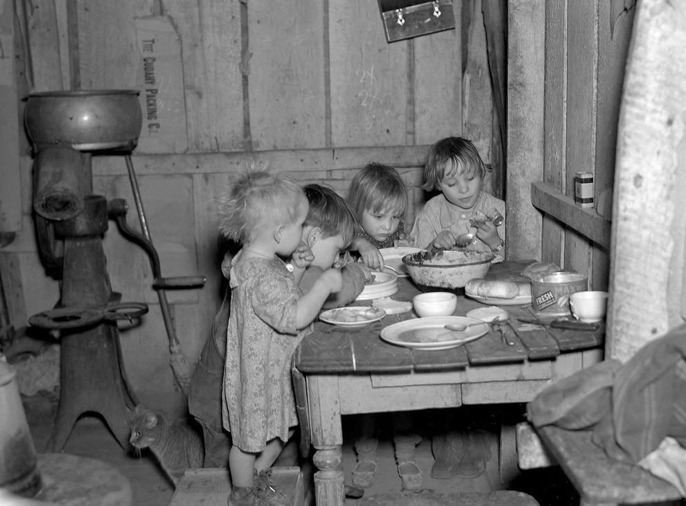 Рождественский ужин во время Великой депрессии: репа и капуста.