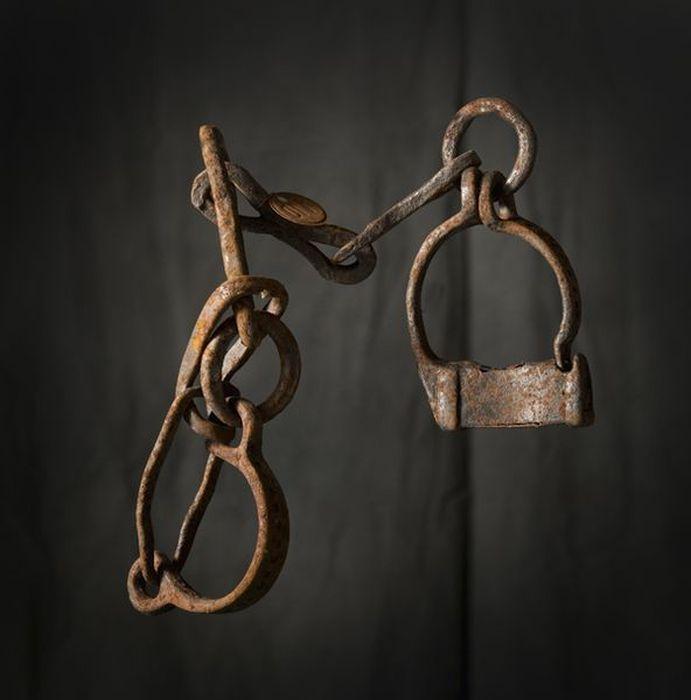 Орудия казни и пыток - оковы