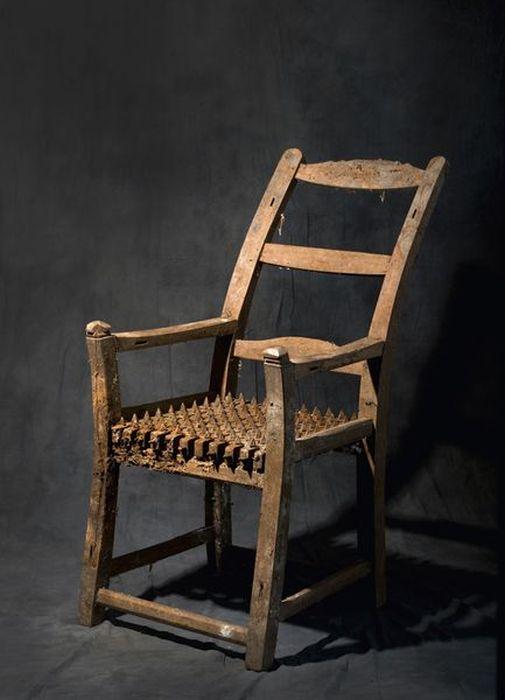 Орудия казни и пыток - пыточный стул