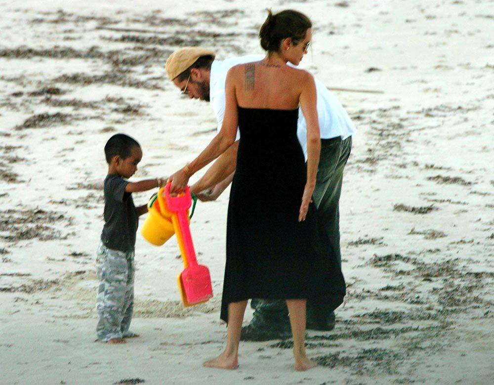 Первое совместное фото Брэда Питта и Анджелины Джоли