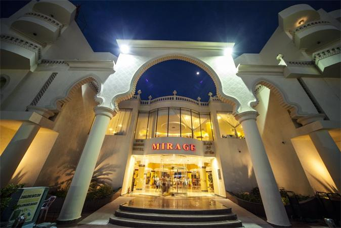 Отель Mirage-Aqua-Park 5 звезд Хол