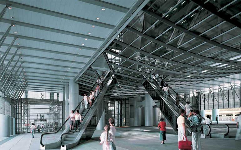 Эскалаторы в штаб-квартире банка HSBC