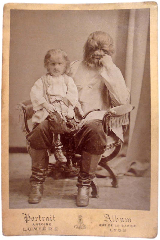 Фёдор Адрианович Евтихиев в детстве с отцом