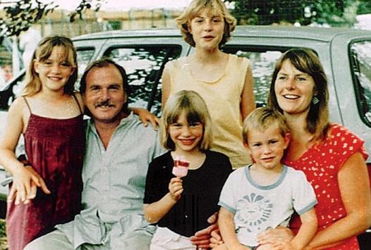Кейт Уинслет в детстве с семьей