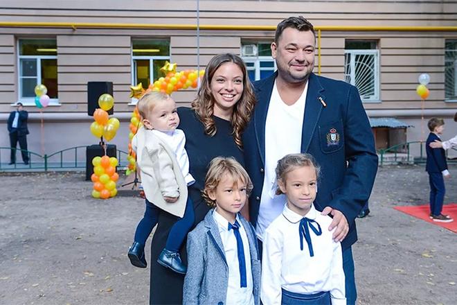 Сергей Жуков с семьей