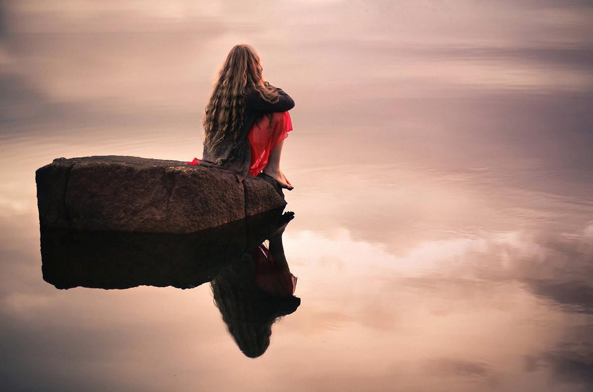 Одиночество передается от человека к человеку