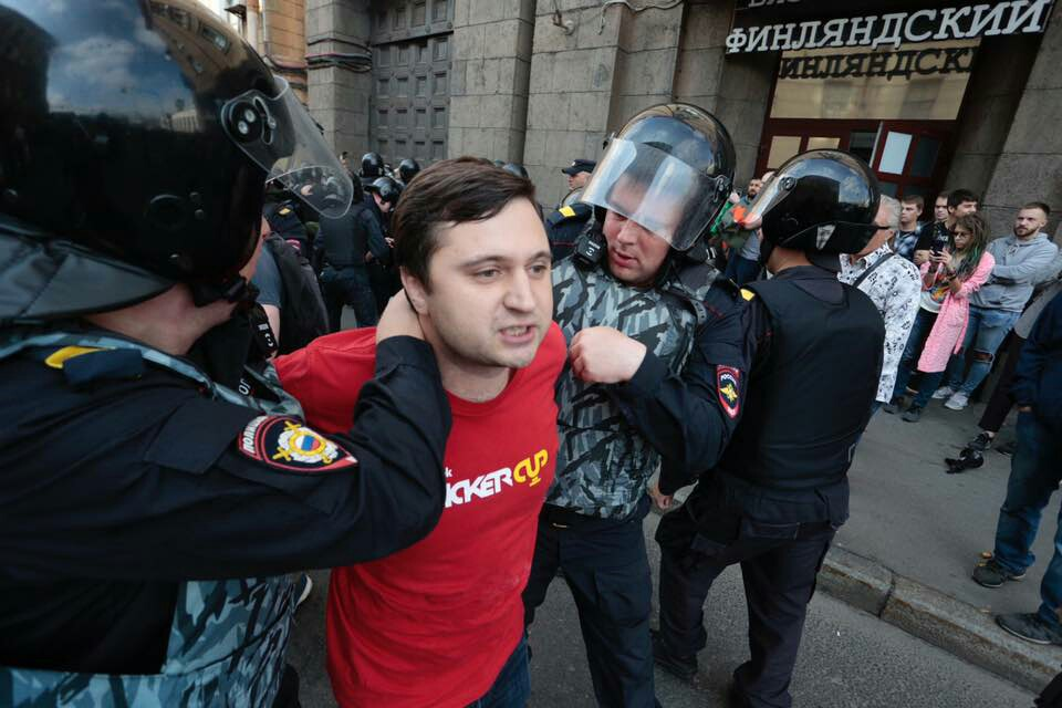 По зимнему могут стрельнуть - Петербург стал лидером по числу протестов в 2018 году