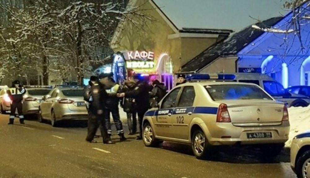 Порядка 20 чеченцев напали на кафе и испортили вечер гражданам России