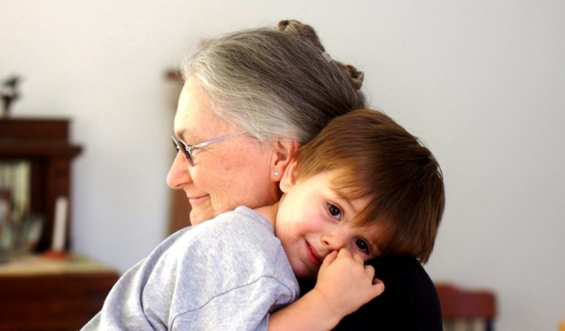 Что делать, если взгляды бабушки на уход и воспитание детей категорически не совпадают с родительскими