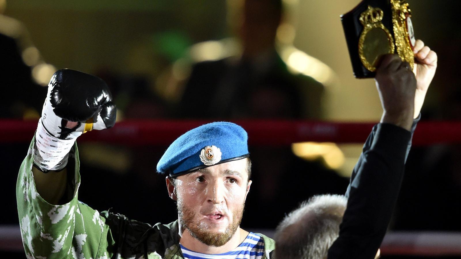 Боксер Денис Лебедев завершил карьеру бокса