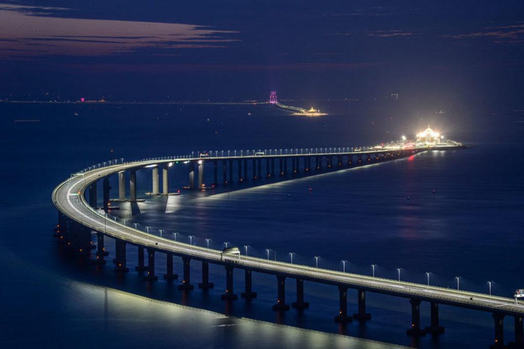 В Китае достроили самый длинный мост в мире