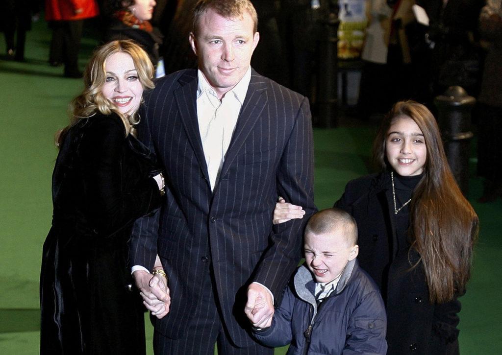 Мадонна и Гай Ричи c детьми