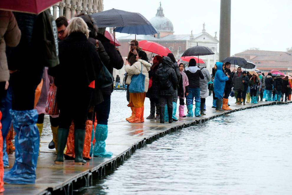 Наводнение в Венеции 2019 года. Фото Luigi Costantini