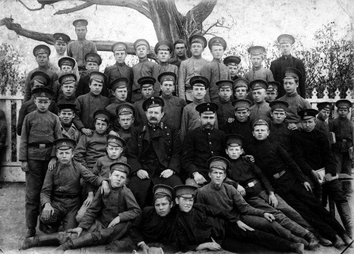 Ученики училища, 1905 год. Фото: ИТАР-ТАСС