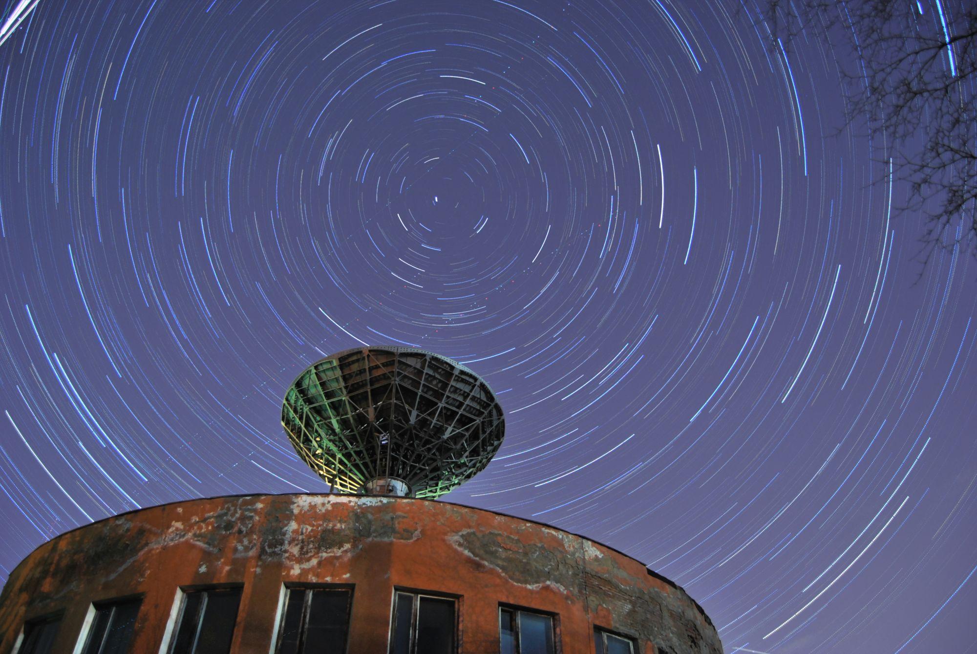 Звезды движуться вокруг полярной звезды