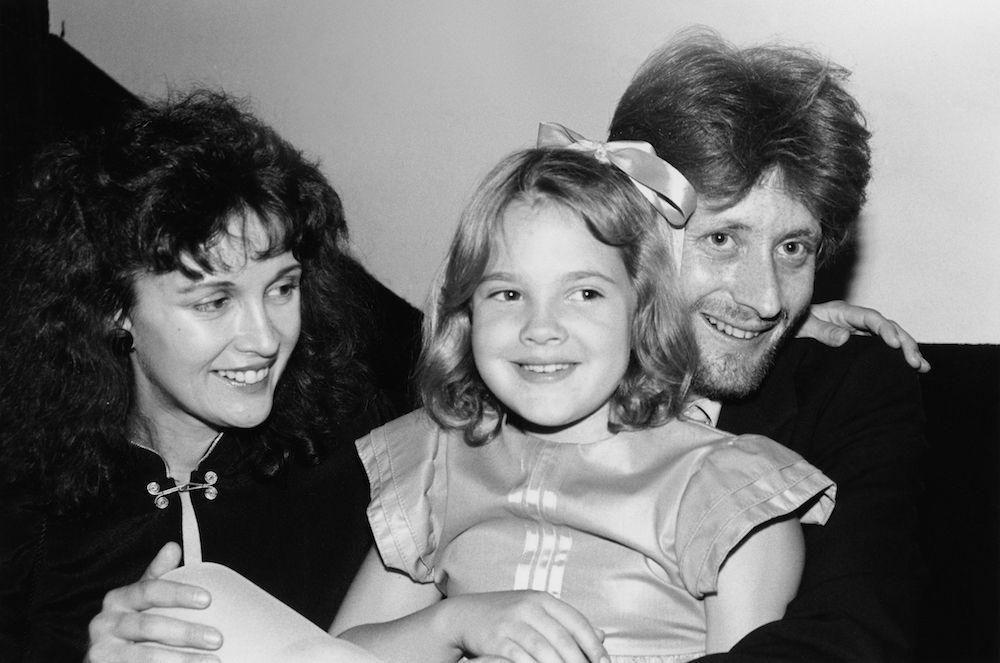 Дрю Берримор с родителями